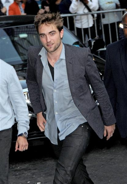 Robert Pattinson. I'm sorry that your less-than-satisfactory girlfriend cheated on you.
