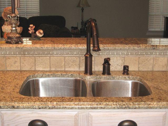 New Venetian Gold Granite Backsplash Ideas | New Venetian Gold Granite Countertops (135), New Venetian Gold, Dallas ...