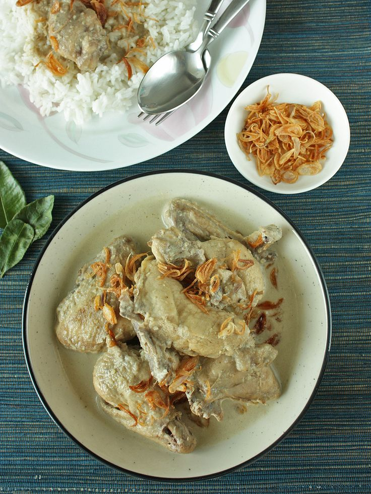 Opor ayam - Javanese chicken cooked in coconut milk <3