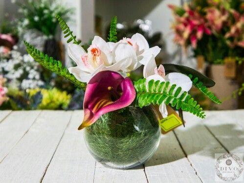 Каллы, орхидеи и зелень
