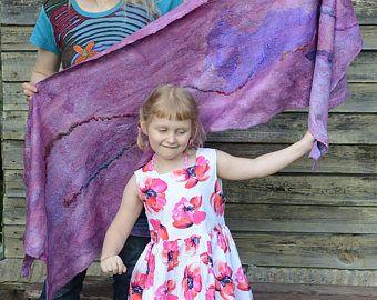 Felted sjaal Lila lolly omslagdoek shabby merino wol Raagbol Nuno vilten, vilten Wrap, vrouwen accessoire. Wol en zijde 180x60cm