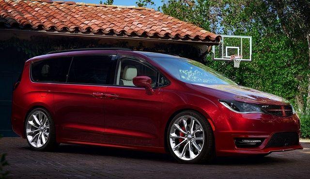 2017 Dodge Grand Caravan - side