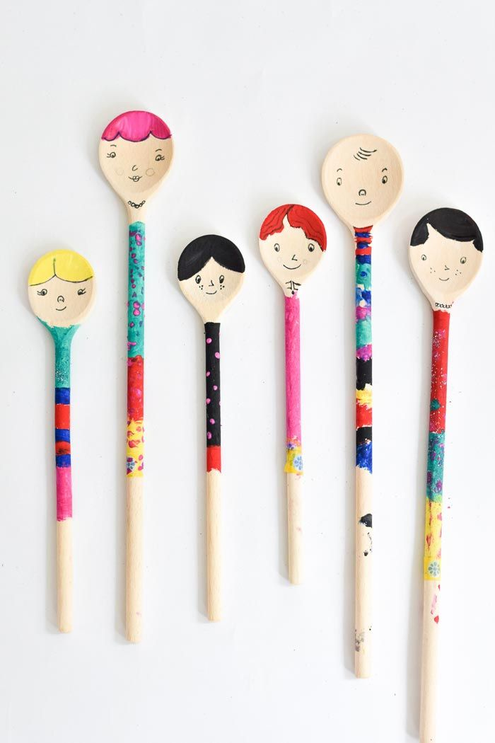 Diy wooden spoon puppet craft from bloesem kids craft for Cheap wooden spoons for crafts
