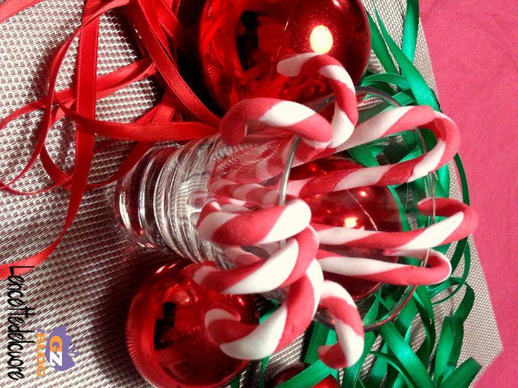 bastoncini di zucchero,decorazioni natalizie, ricette di natale, bastoncini di zucchero natalizi, dolce, le ricette dle cuore, natale, facile, ricetta, ricette facili