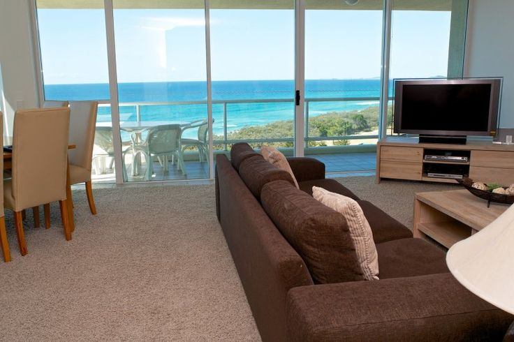 Carmel By The Sea - 2 Bedroom Deluxe Apartments - Gold Coast Self Contained Apartments
