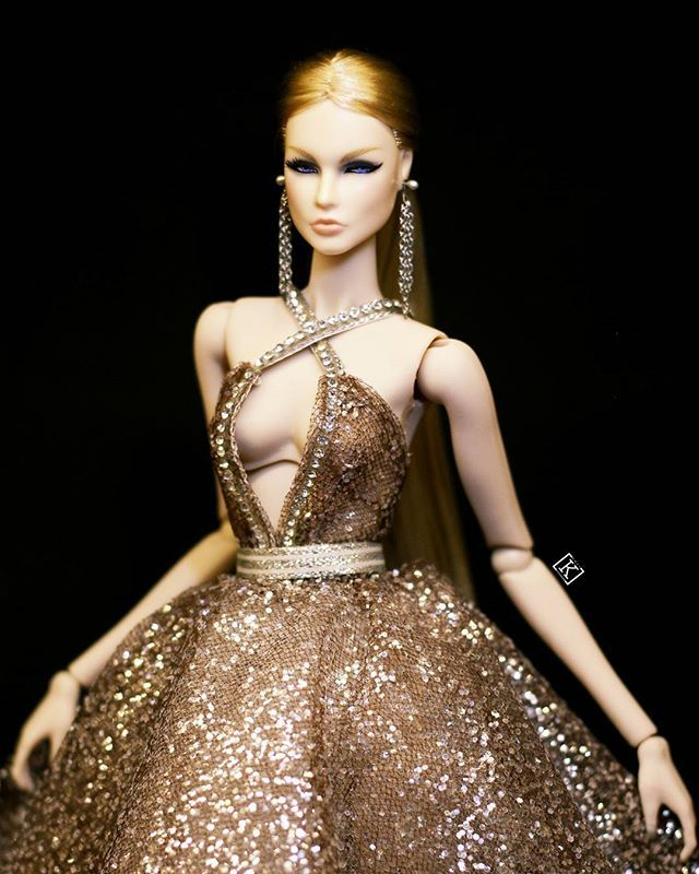 WEBSTA @ k.dollfashion - @lovetones Roxy in Stardust-Add a bit of magic into your Dolly World#lovetones #kdollfashion #rnddolls #star #stardust #crystal #blingbling #glitter #bighair #sexy #bitch #eugeniafrost #eugeniaperrinfrost #modelagency #model #nexttopmodel #fashionroyalty #fashionroyaltyvietnam #fashionroyaltydoll #intergritydolls #intergritytoys #doll #dollcolection #dolldesign #dolldress #dollfashion