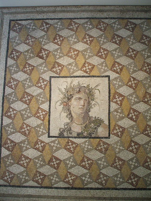Roman Mosaic  (this would be an amazing diapering pattern for a Roman scroll)