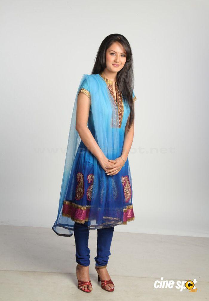 Pooja Bose Latest Stills (25)