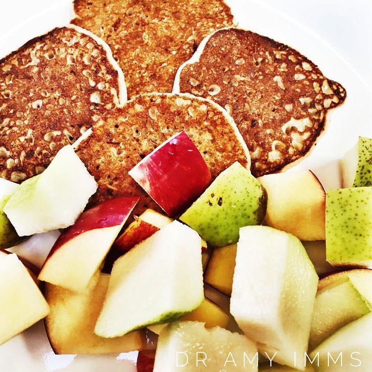 Day 22 - breakfast - banana vanilla cinnamon pikelets with fruit #30dayfoodchallenge #plantbased #wholefoods #plantbasedwholefoods #vegan
