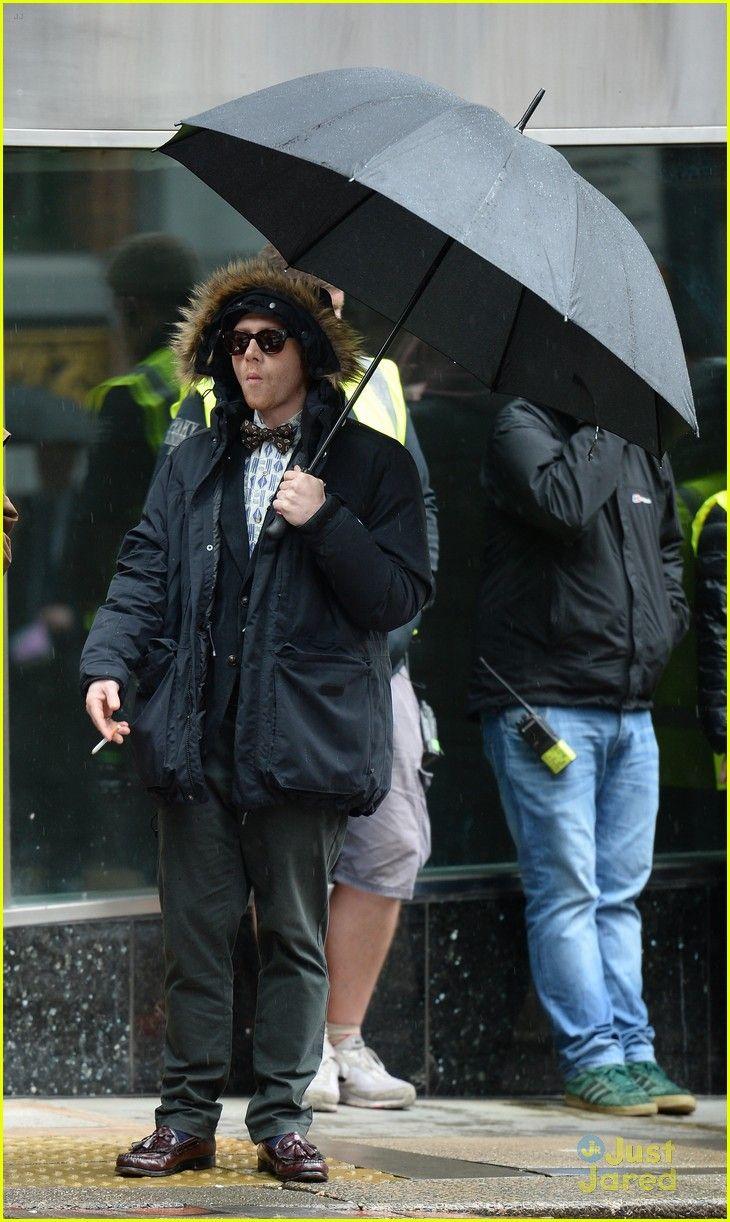 Rupert Grint Hides Under A Hooded Jacket on 'Snatch' Set | rupert grint hooded jacket snatch filming 21 - Photo