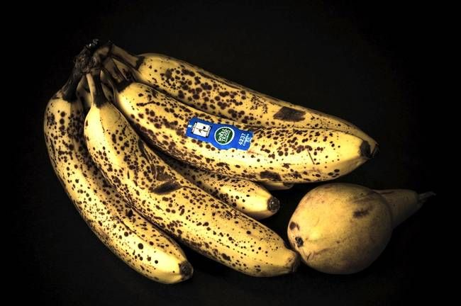From Shoe Shining to Skin Smoothing: 7 Uses for Overripe Bananas : TreeHugger