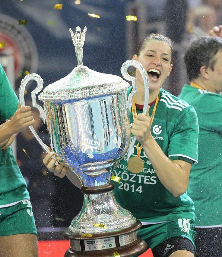 Eduarda Amorim. Happy moment in the gold medal ceremony.