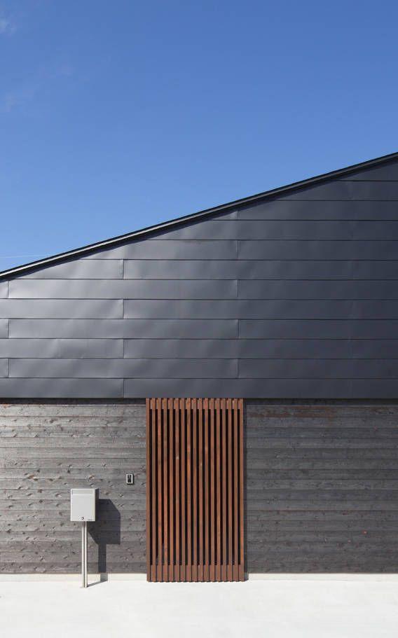 東側外観: 田村の小さな設計事務所が手掛けたモダン家です。