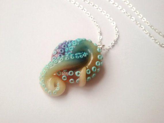 Aqua Regenbogen Tentacle Halskette von ClayCreationsForEver auf Etsy