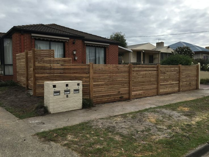Front picket fence, horizontal picket fencing, exposed posts, single pedestrian gate, front feature fence