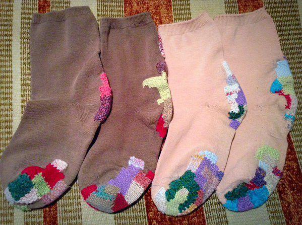 つぎはぎが逆に可愛いすぎる!穴あき靴下の直し方が画期的だと話題に