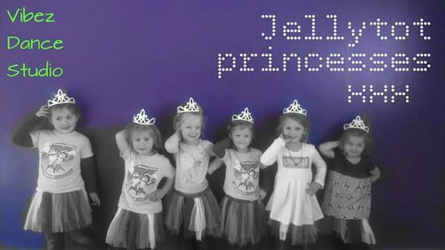 Every mom loves photos of her little princess  Photo moment , Dancers, princess