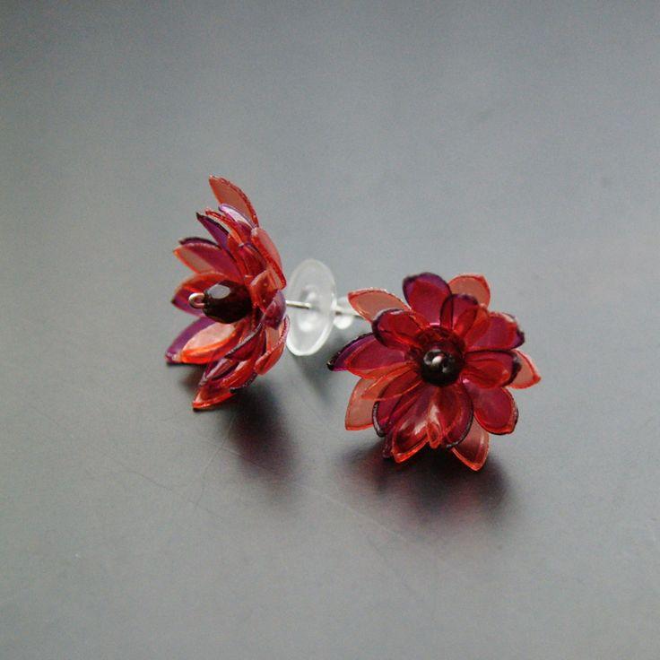 PET náušnice rudé květy