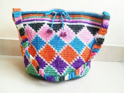 Crochet purse by Leesa Shah