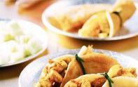 Le chef Cyril Lignac vous propose une recette pour réaliser de délicieuses crêpes à l'indienne. Un régal.