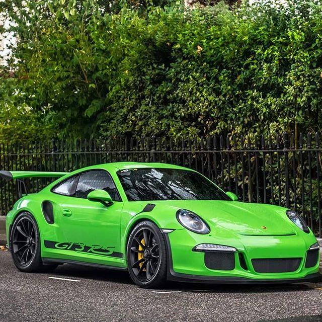 """PTS """"Gelbgrün Green"""" GT3 RS looking hot! #porsche #gt3rs #911 #pts #lovecars 📷@xricox #speed #vehicle #instafollow"""