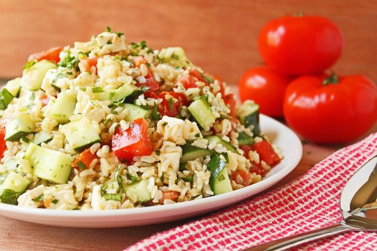 Tomato-Basil-Cucumber-Salad: Feta Cheese, Brown Rice, Rice Recipes, Cucumber Rice, Healthy Salad, Cucumbersalad, Lights Dinners, Tomatoes Basil Cucumber Salad, Rice Salad