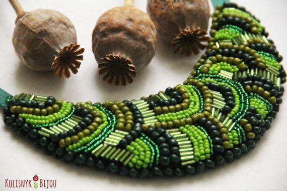 Verde con cuentas abalorios de bordado collar por KolisnykBijou