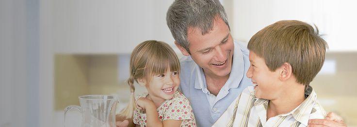 Ubezpieczenia Grupowe Na życie  Wykonujesz wolny zawód?  Zmieniasz pracę? Nie posiadasz jeszcze ubezpieczenia na życie?   Mamy dla Ciebie specjalną ofertę ubezpieczenia:   Szeroki zakres ochrony,  niskie składki,  możliwość ubezpieczenia Członków Rodziny i Najbliższych.  Ochrona przez 24 godziny na dobę na całym świecie