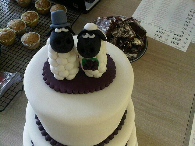 Sheep Cake Toppers by sugar*baking, via Flickr