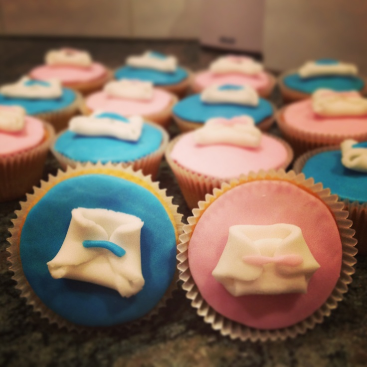 Diaper cupcakes - baby shower