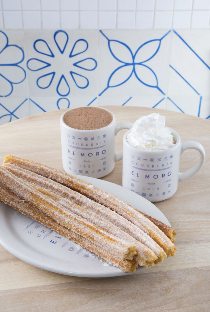 Churros y Chocolate. Churrería El Moro. Since 1935