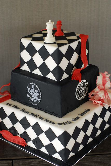 TWILIGHT SAGA THEMED SQUARE TIERED CAKE WITH CHESS BOARD DESIGN & CRESTS / SYMBOLS