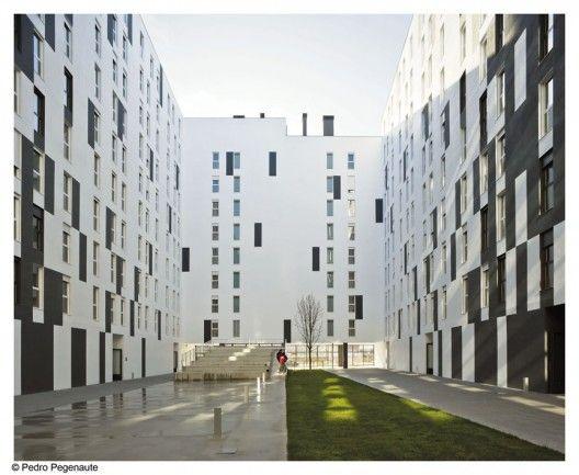 Housing Units in Salburúa / Roberto Ercilla Arquitectura. Vitoria, Basque, Spain