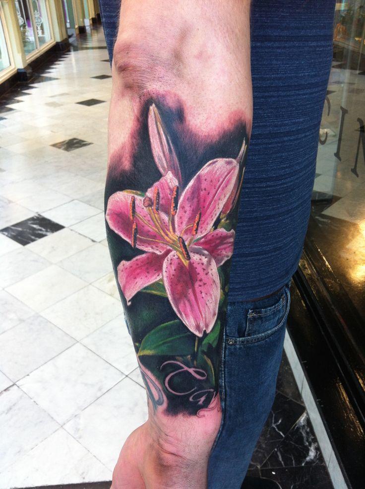 Hyper-Realism Hibiscus fremantle Tattoo #famoustattooartistsinfremantle