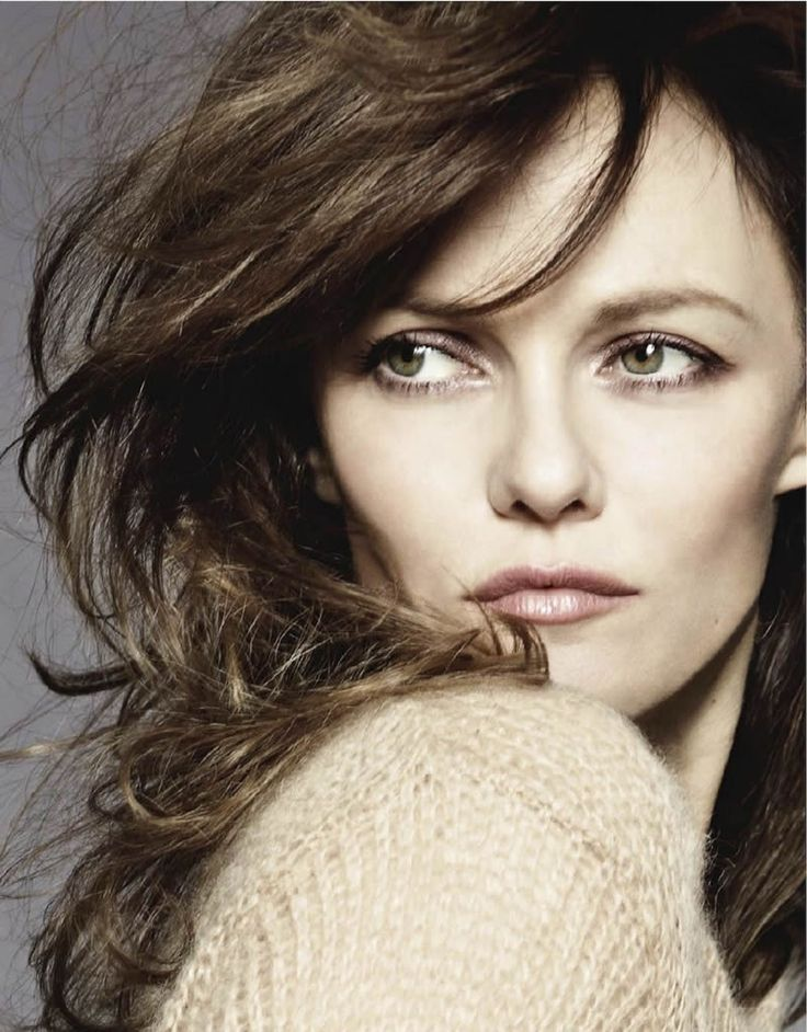 Vanessa Paradis for the Januar issue of Elle France magazine photographed by Jan Welters. Photo shoot stylist - Friquette Thevenet. Fashion photography, nude art. Enjoy this editorial.