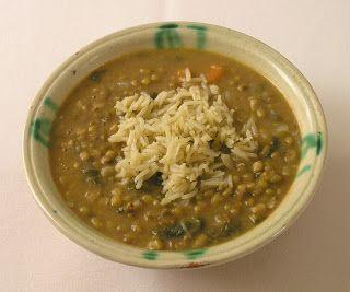 """Aunque se vende con el nombre de """"soja verde"""" la judía mungo no tiene que ver nada con la soja. Esta legumbre, de las más ricas en proteínas..."""
