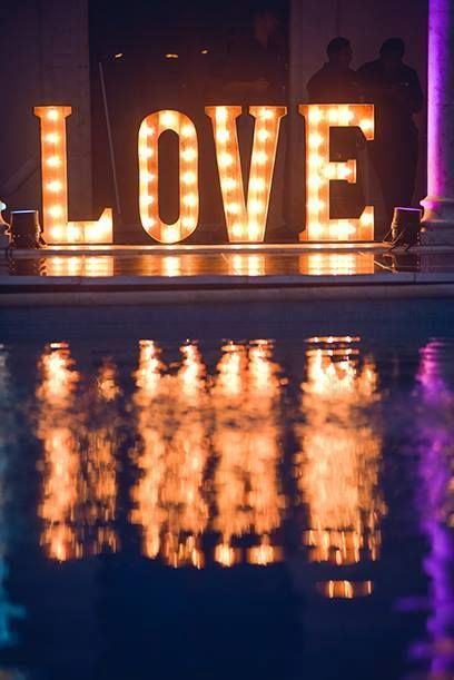 CBI116LOVE Illumination , letter , sign, rustic. /letrero LOVE iluminado