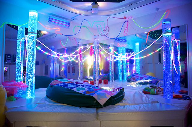 This room really is sensational! Designed to stimulate all five senses, the bubbles, tubes, sound, fibre optics, a waterbed and tactile toys make this a safe, calm environment