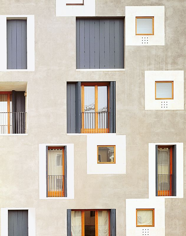 Cinno Zucchi - ex-Junghans residential building D, Venice 2002. Part of a larger complex on the site of a former industrial complex at the intersection of two canals on La Giudecca island. Via, photos...