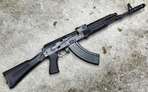 Старый добрий АК-47 досих пор наиболие распространеное стрелковое оружие