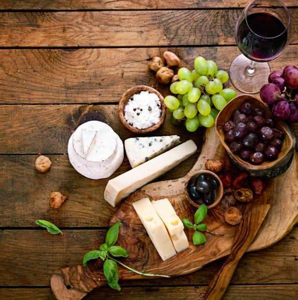 A little wine and cheese tonight! #WineWednesday (photo via Replica )