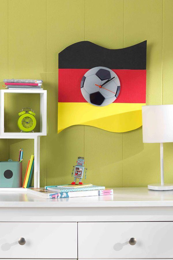 Gestalte deine eigene WM-Uhr! Unsere Glas-Uhr lässt sich individuell mit deinem Foto gestalten! Probier es aus! http://www.pixum.de/editor?product_id=5602