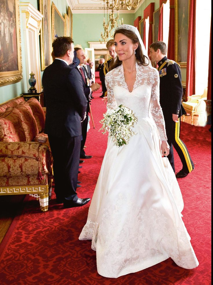Awesome Royal wedding gowns, Wedding dress display, Kate