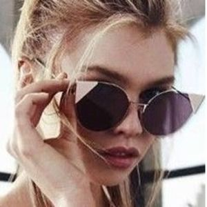 Up to 65% Off Select Fendi Sunglass Sale @ Neiman Marcus https://www.isavetoday.com/deal-detail/65-select-fendi-sunglass-sale-neiman-marcus/5361