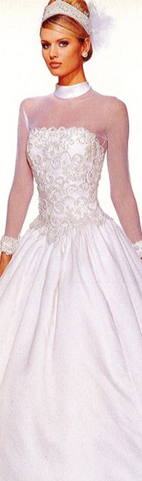 132 best 80 39 s 90 39 s wedding dresses images on pinterest for Used short wedding dresses