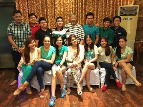This is Miles Ocampo, Julia Montes, Sharlene San Pedro, with the rest of the Goin' Bulilit graduates who are grown-ups and Direk Edgar Mortiz smiling for a group picture during the Reunion and Christmas Party of the original cast and alumni of Goin' Bulilit at Direk Edgar Mortiz's house in Quezon City last December 2014. #MilesOcampo #JuliaMontes #SharleneSanPedro #GoinBulilit #GoinBulilitGraduates