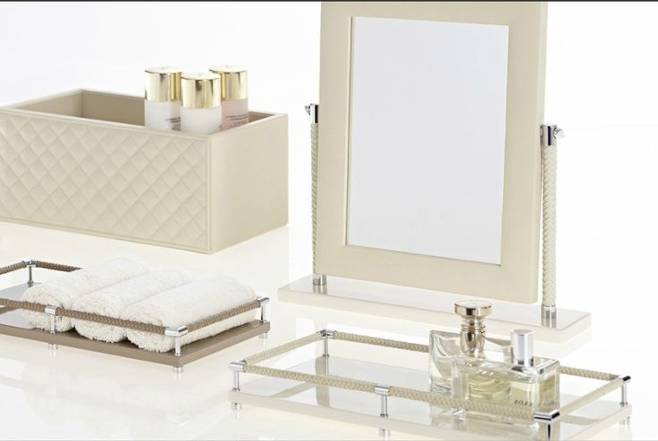 leather and lacquer bathroom set