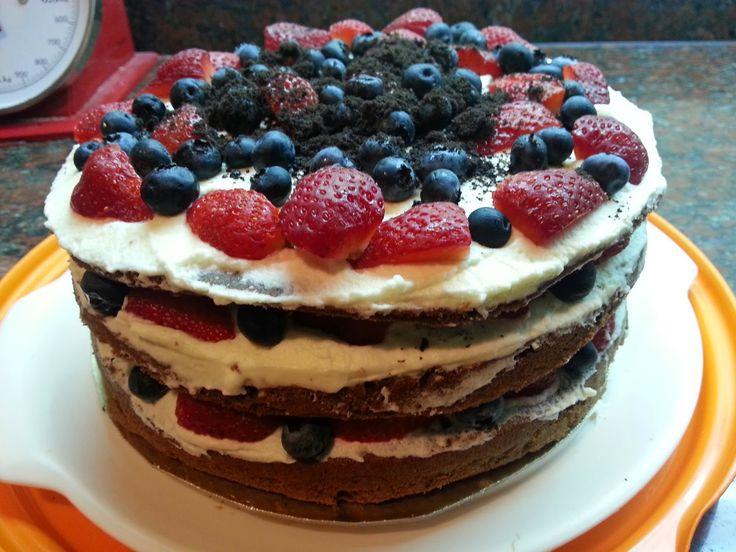 Dulces Tentaciones & Cookies Express.Tortas caseras a pedido: torta de frutos rojos