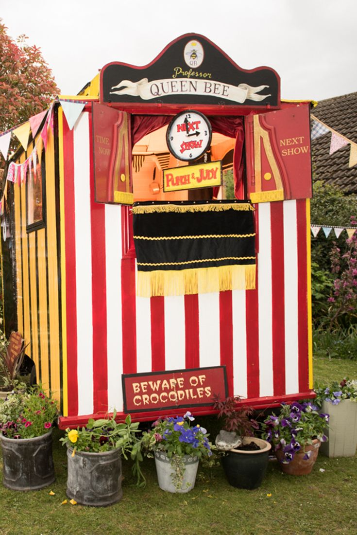 Cuprinol Shed of the Year | Punch and Judy Shed – owned by Professor Queen Bee AKA Teresa Verney-Brookes in Reading. As the name suggests, this shed is dedicated to popular Punch and Judy Show, the only one of its kind in the UK and maybe even the world! In summer, it is used to tour and perform the old classic as well as a Flea Circus Act while in winter it is used as handy storage of the characters. Vote for your favourite Pub & Entertainment shed here: http://spr.ly/64918Ygmv