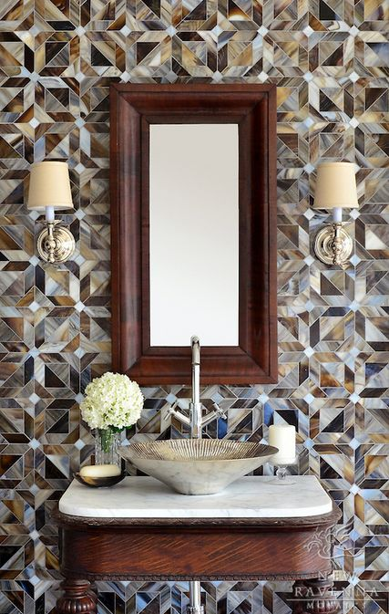 Awesome tiled wall in small bath